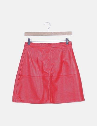 Falda encerada roja