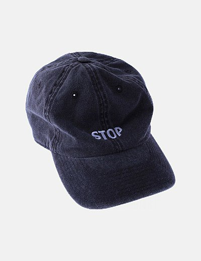 Gorra gris efecto desgastado