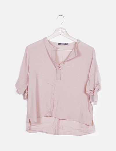 Blusa rosa con botones