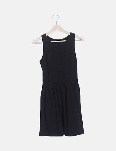 Vestido negro mini sin mangas