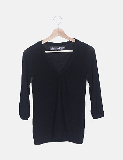 Camiseta negra cuello fruncido manga francesa
