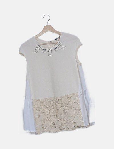 Conjunto blusa y pantalón blanco combinado con strass