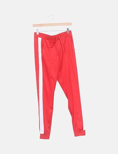 Pantalón deportivo rojo franja blanca