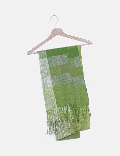 Pañuelo tonos verdes desflecado