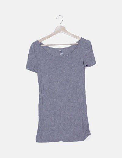 Camiseta gris mangas abullonadas