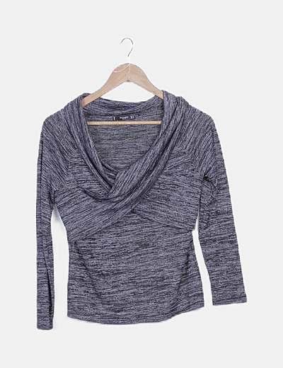 Camiseta tricot gris jaspeada cruzada