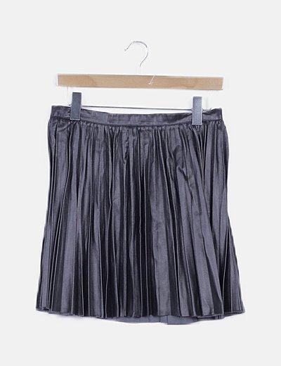 Falda mini plisada evasé polipiel