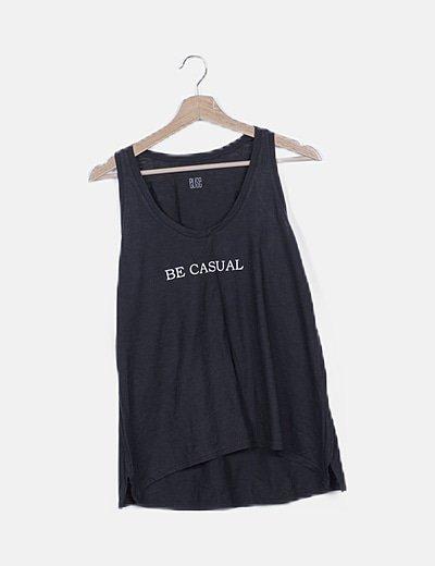 Camiseta negra jaspeada con mensaje