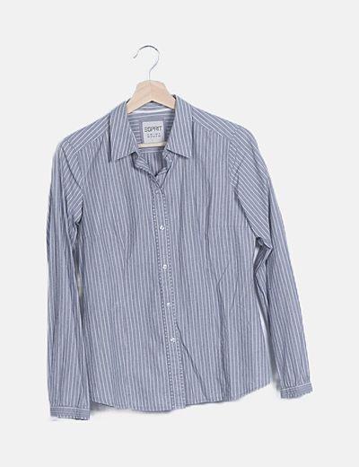 Camisa gris de rayas