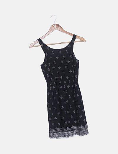 Vestido negro fluido estampado
