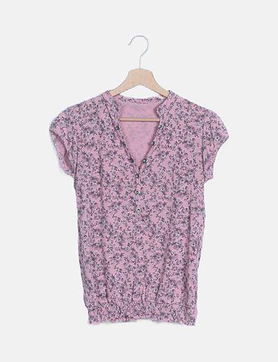 Camiseta botones estampado floral
