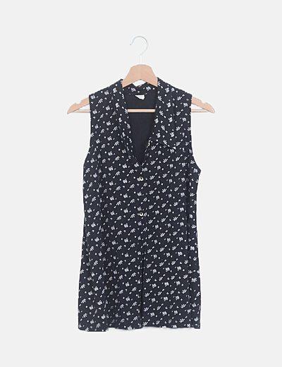 Camisa negra floral sin mangas