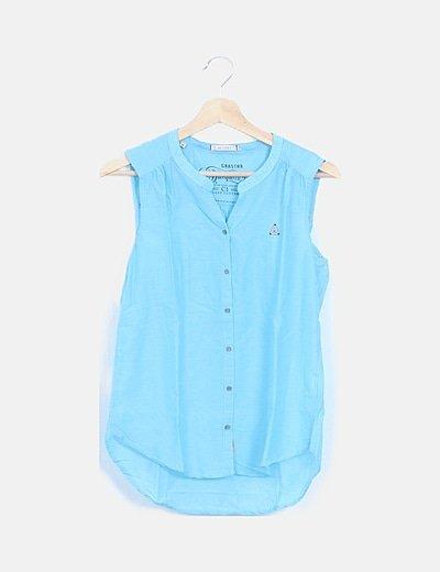 Camisa azul clara cuello redondo