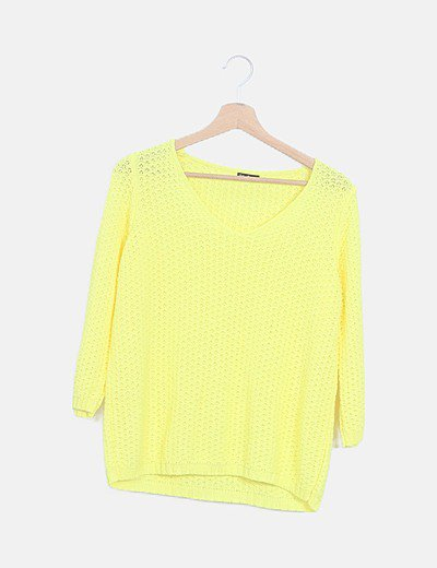 Suéter amarillo punto calado