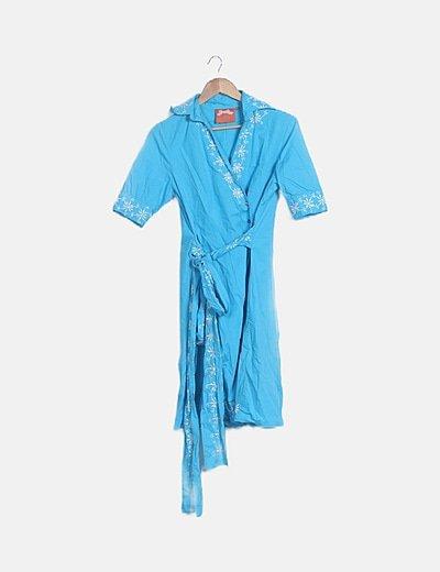 Vestido azul bordado floral