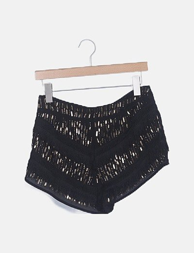 Short negro abalorios