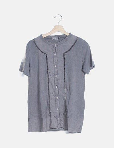 Camisa gris manga corta