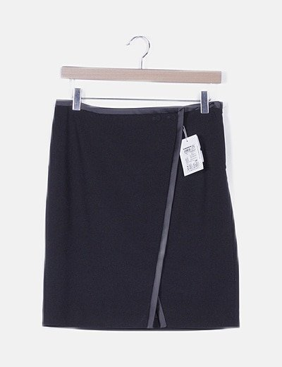 Falda midi negra texturizada