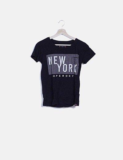 Camiseta negra letter print
