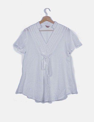 Camisa plisada blanca con lazo
