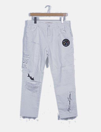 Pantalón denim blanco desflecado detalle patchwork