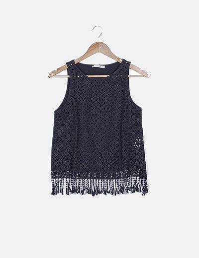 Blusa negra crochet