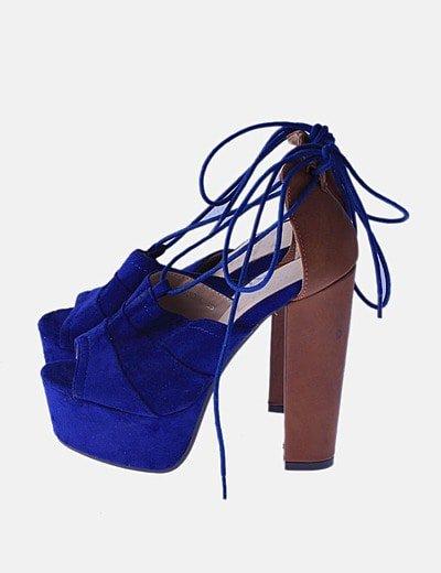 Sandalia de tacón combinada bicolor