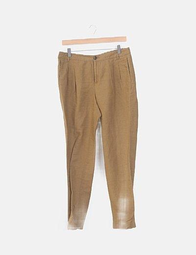 Pantalón chino camel