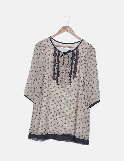Blusa beige estampado floral detalle drapeado