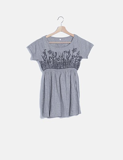Camiseta gris manga corta estampada