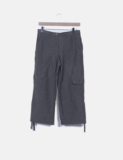 Pantalón pirata verde kahki