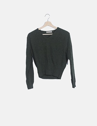 Suéter verde cuello pico manga larga