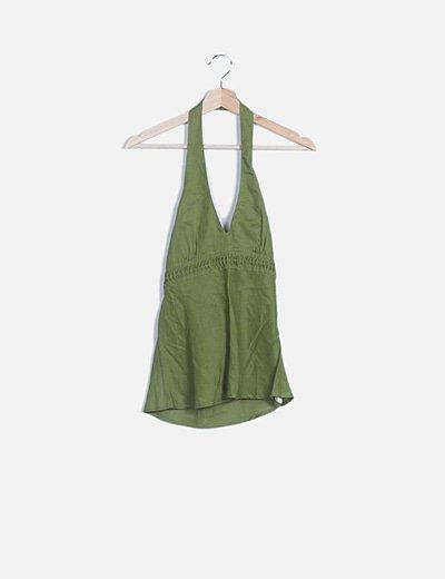 Camiseta verde cuello halter escote pico