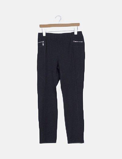 Pantalón negro detalle cremalleras
