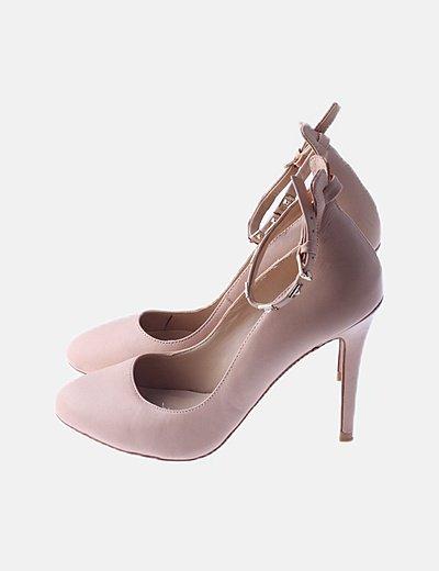 Zapato tacón rosa nude