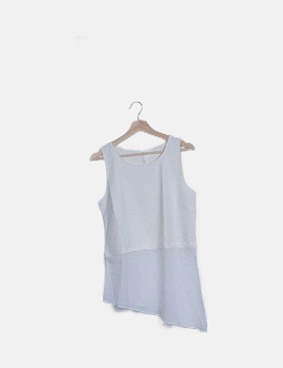 Blusa blanca combinada sin manga