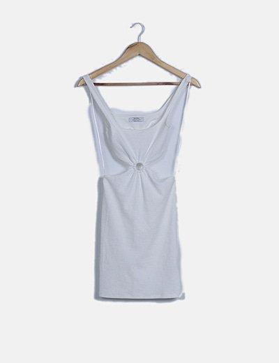 Vestido blanco texturizado con aberturas