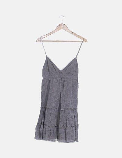 Vestido mini gris estampado tirante trenzado