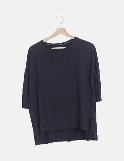 Camiseta gris oscura tail hem mangafrancesa
