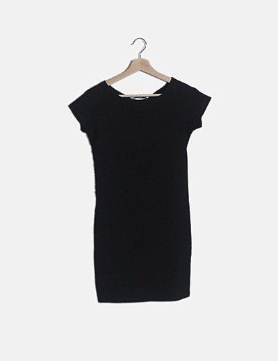 Vestido canalé negro ceñido