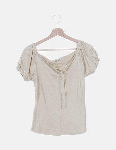 Camiseta bardot beige lace up