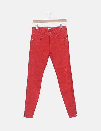 Jeans denim rojo ripped