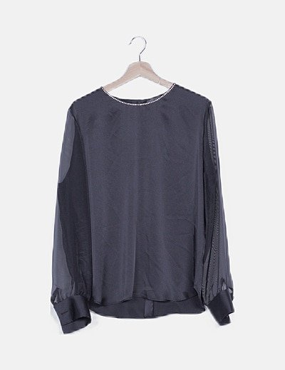 Blusa negra satén mangas semitransparentes