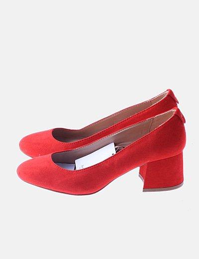 Zapato antelina rojo de tacón