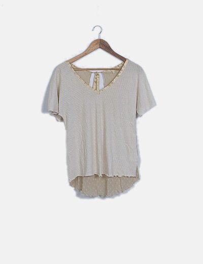 Camiseta beige combinada