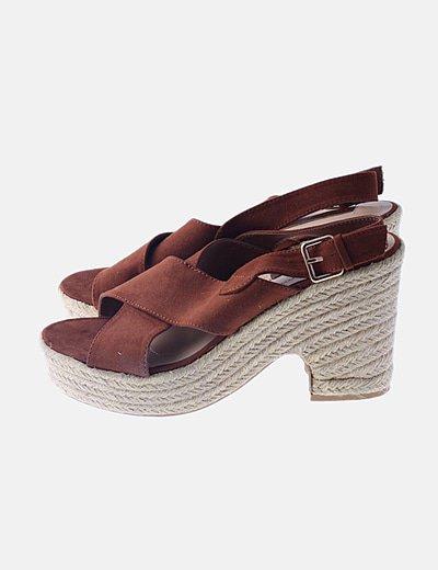 Sandalia esparto marrón