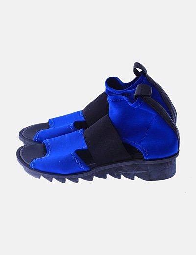 Sandalia combinada azul neopreno