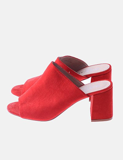 Sandalia tacón rojo terciopelo