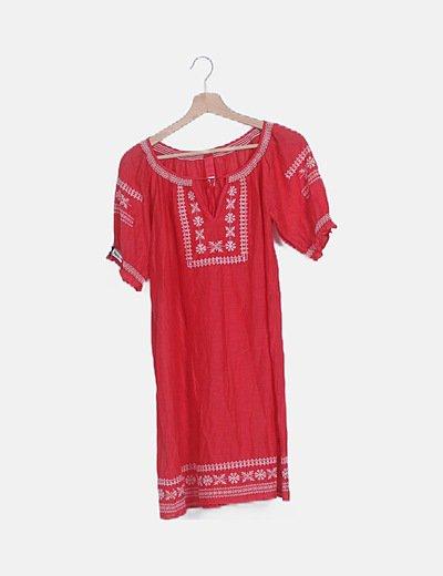 Vestido rojo semitransparente detalles étnicos
