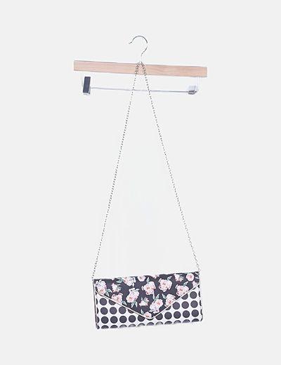 Bolso clutches estampado con cadena
